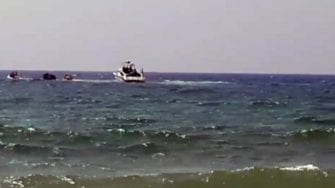 Southern Spain: Beach Guests Surprised By Illegal Migrants Landing With A Boat