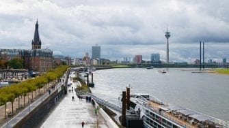 Dusseldorf: Muslim Stabs Refugee In Head For Becoming Christian