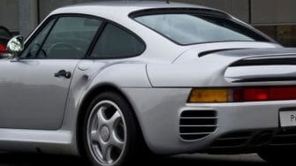 Porsche 911 Driver Caught Doing 210 MPH With No Licence