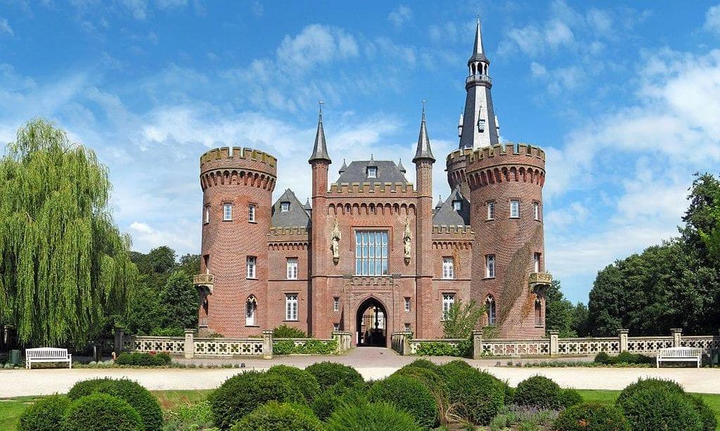 Schloss_Moyland