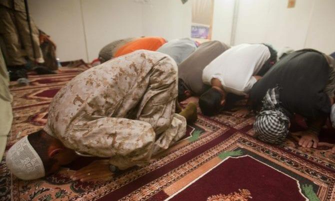 Betende Afghanen