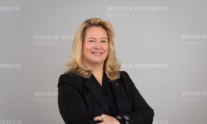 Rebecca Kirchbaumer