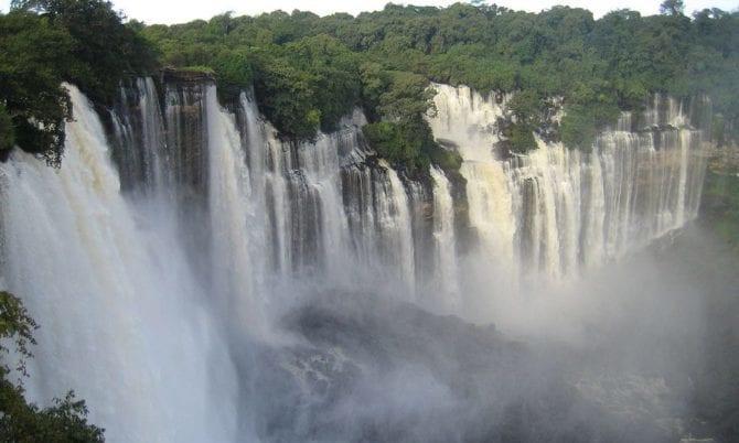Angola Wasser