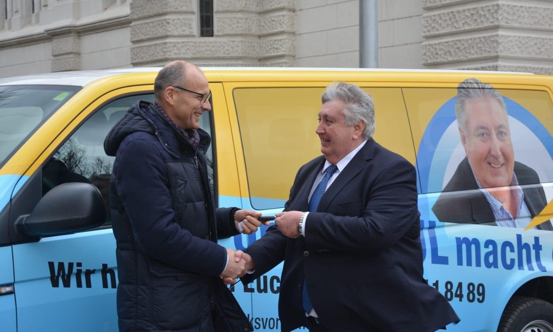 Harald Stefan / Paul Stadler / Wahlkampfbus