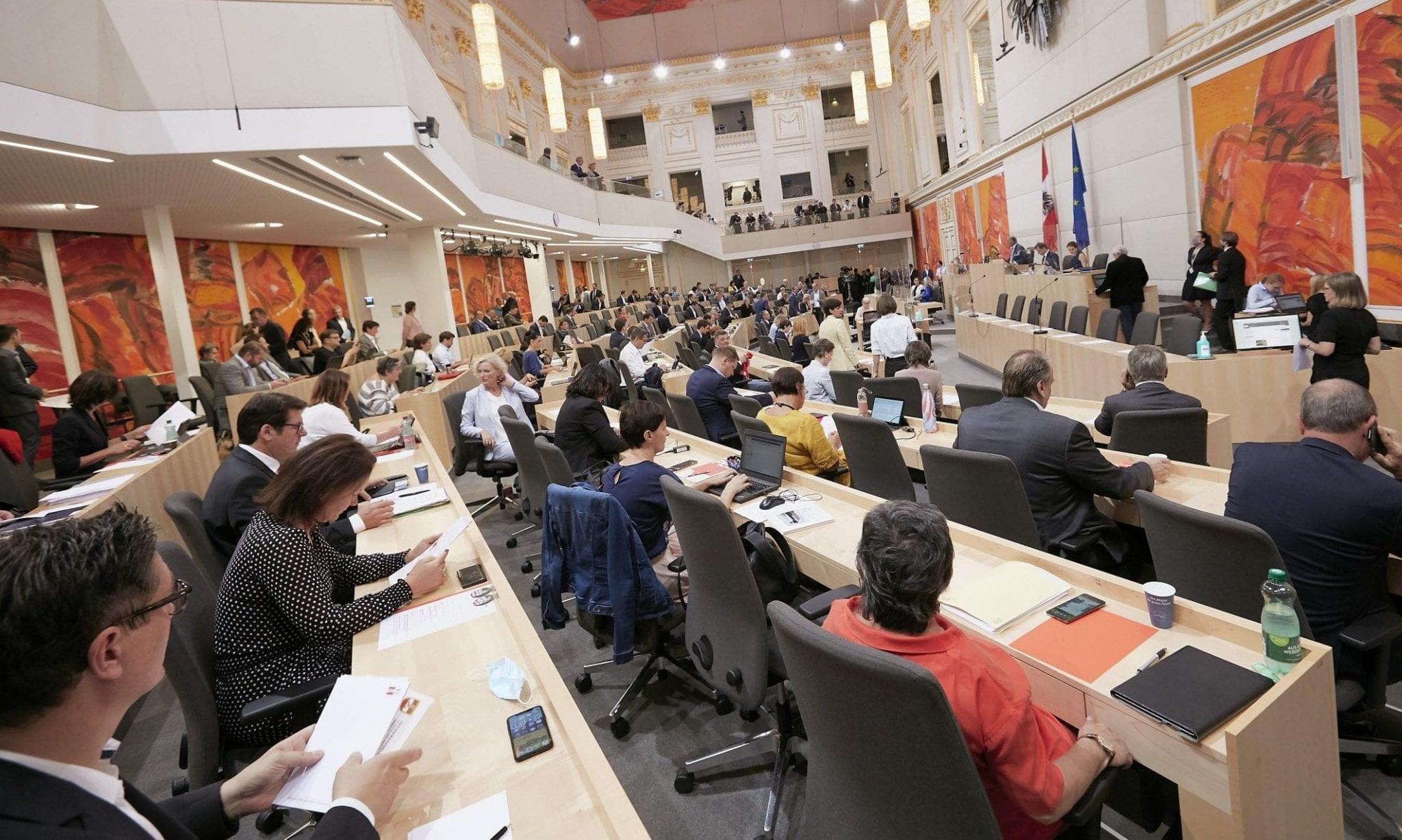 Faule und fleißige Abgeordnete – FPÖ-Schnedlitz führt mit 320 Anträgen und Anfragen