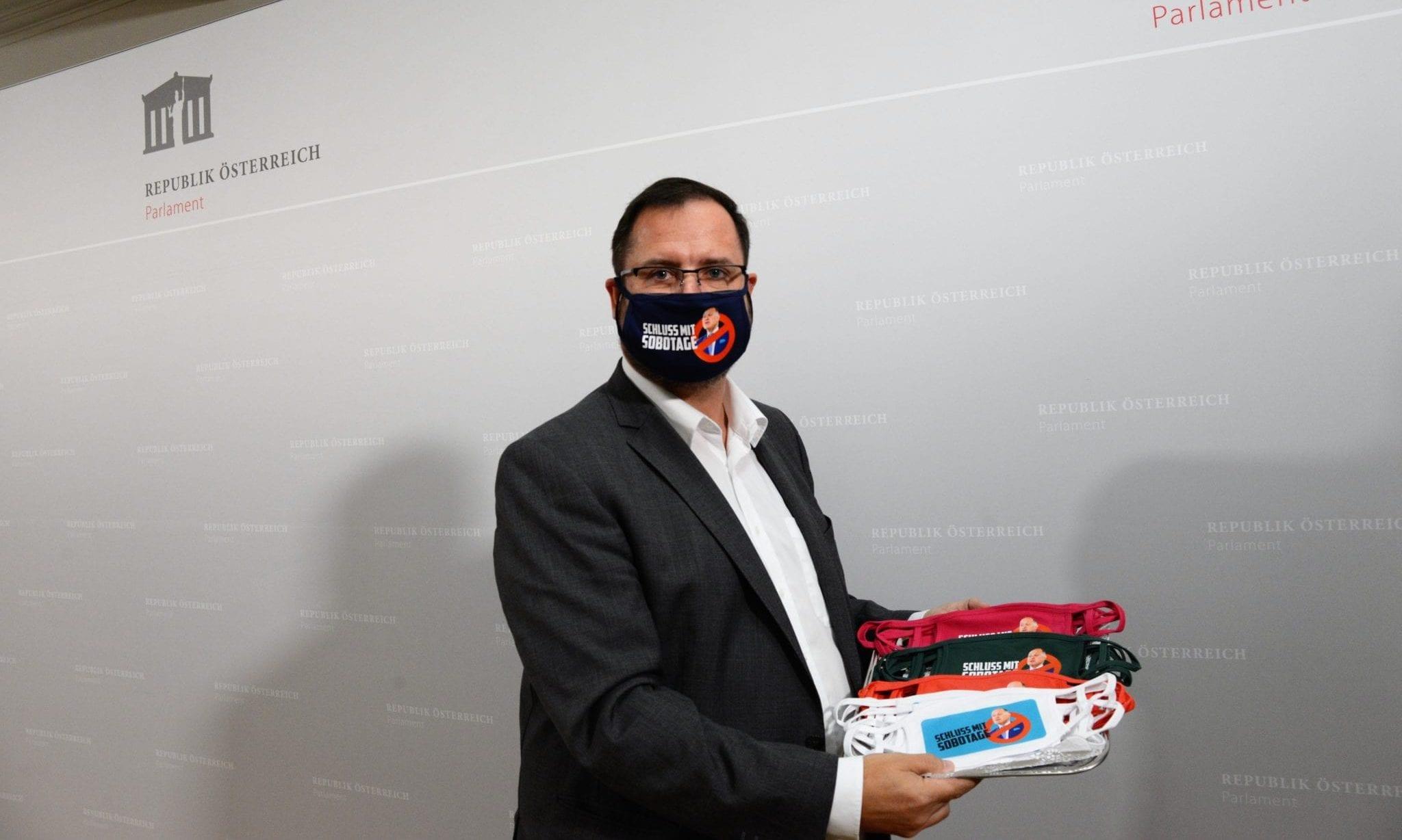 """FPÖ setzte kreatives Zeichen gegen die """"Sobotage"""" des Ibiza-U-Ausschusses"""