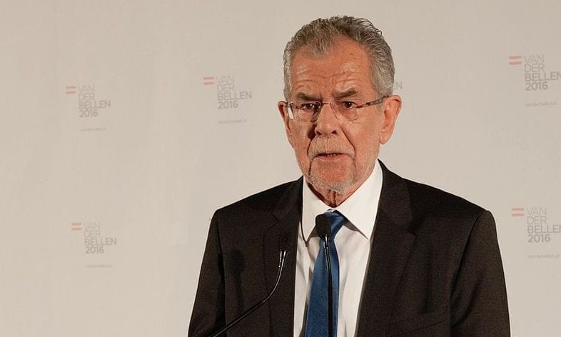 """Bundespräsident pfeift nach Sperrstunden-Regel im """"Lockdown"""" nun auch auf den Zwei-Meter-Abstand"""