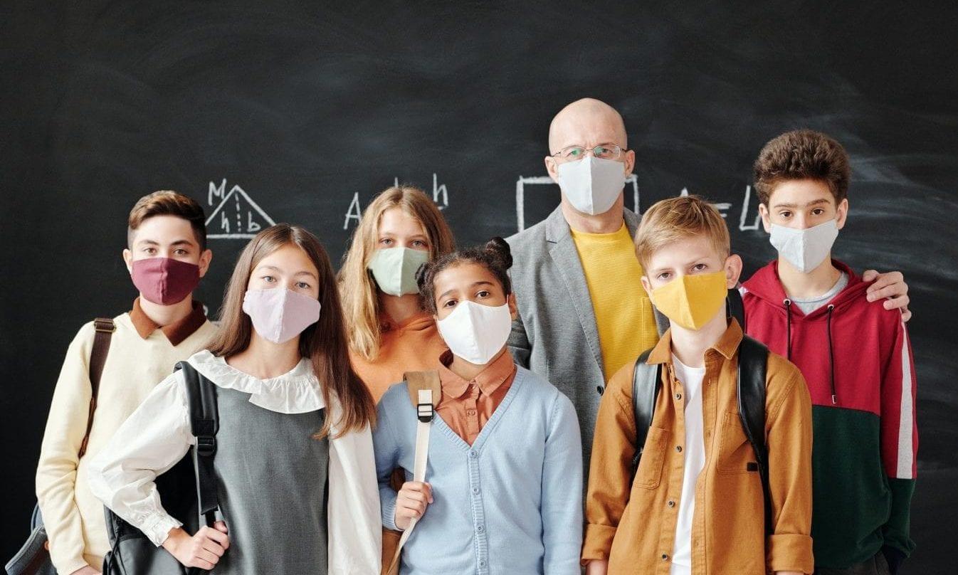 """""""Verbrechen an Kindern"""": Klare Mehrheit gegen Maskenpflicht für Schüler"""