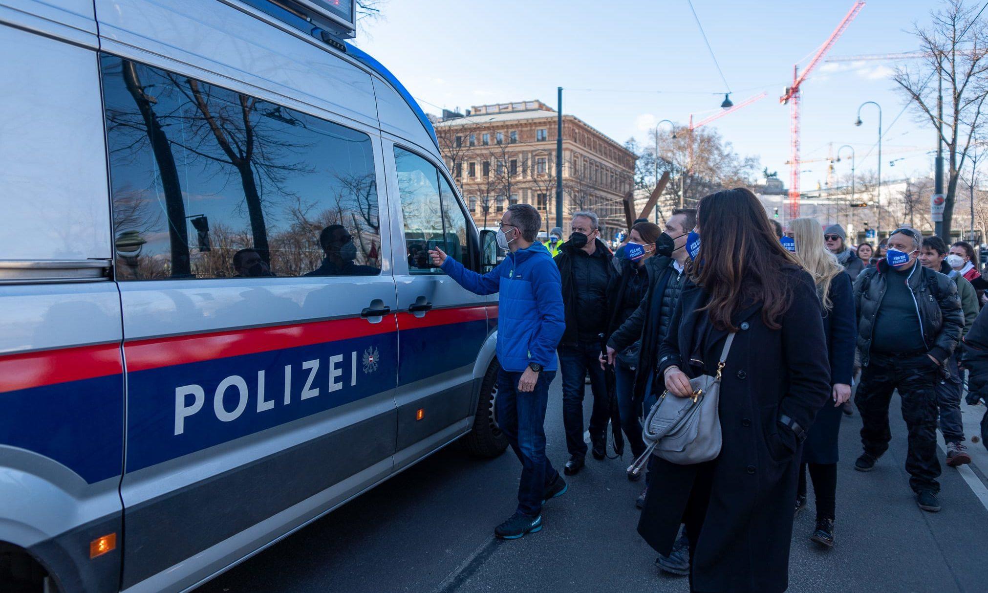 Kickl_Polizeiwagen_ Alois Endl