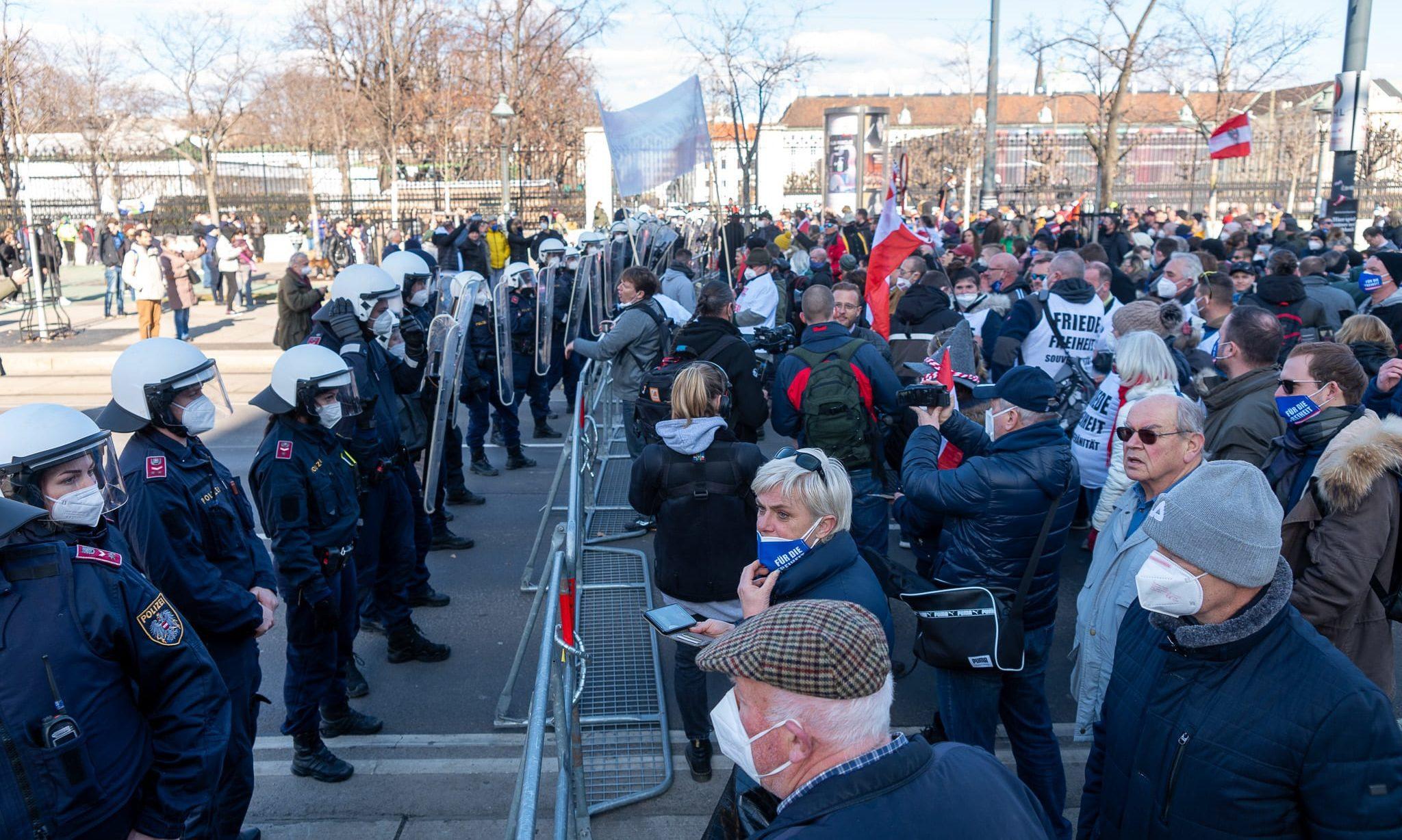 Polizei-Sperre Demo 6.3.2021