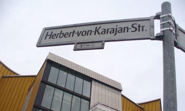 Herbert-von-Karajan-Straße