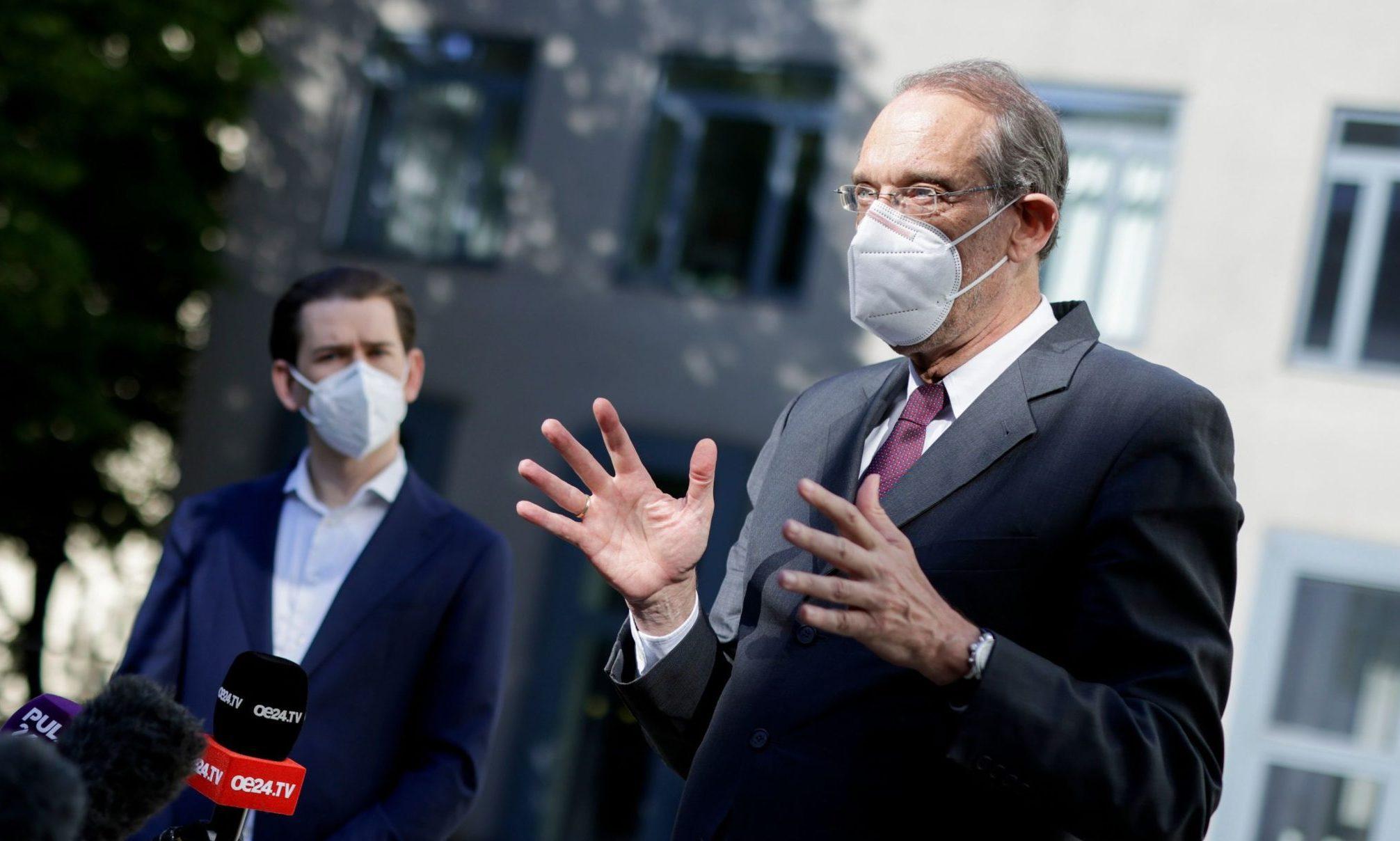 Heinz Faßmann und Sebastian Kurz mit Maske